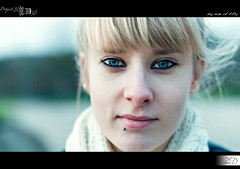 09|50 - The Blue-Eyed Girl (HD Photographie) Tags: blue girl project eyes pentax femme explorer oeil yeux bleu explore hd 50 pauline projet herv blueeyed k7 2011 dapremont hervdapremont project50|50