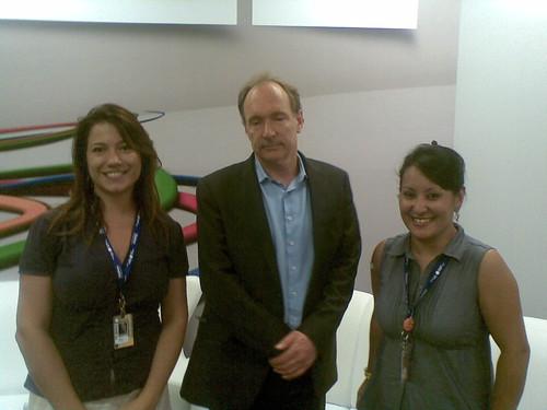 """Eu e @prigon com o """"simpático"""" Tim Berners-Lee #cpbr4"""