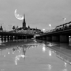 Stockholm City (Explored) (Jean M. Photography) Tags: moon black love night stockholm explore svartvitt absoluteblackandwhite doublyniceshot tripleniceshot artistoftheyearlevel5