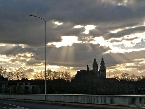 La cathédrale St-Gatien vue du pont Mirabeau