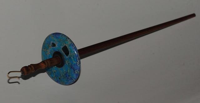Pakke fra Zebisis Designs - Drop Spindle med Blue Varicite stein.  IMG_4224
