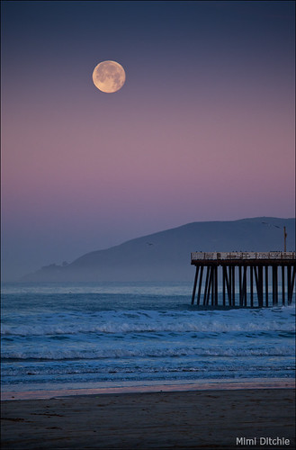 Moonset At Pismo Beach