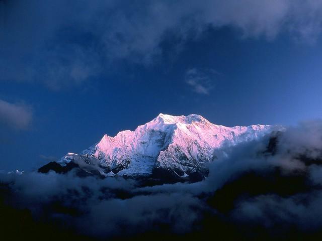 Annapurna_II_(7937m)_from_Ghyaru_Marsyangdi_Valley,_Himalayas,_Nepal