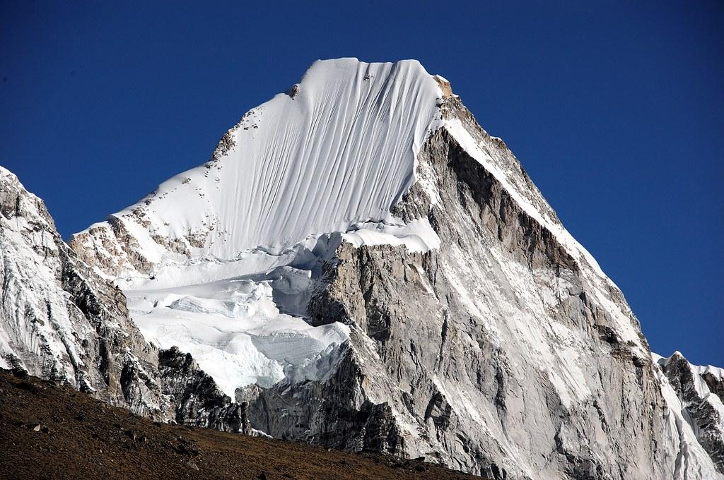 Lingtren (6714 m)