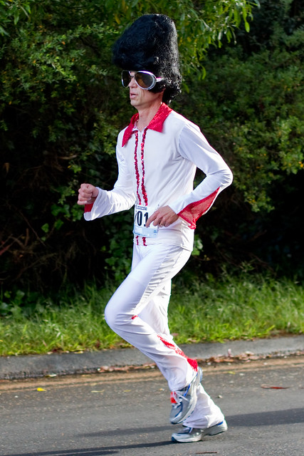 Bay To Breakers 2011: elvis