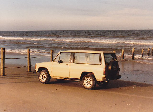 1984 Isuzu Trooper II at the VA/NC OBX border