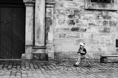 Wild In The City (gman_garry) Tags: bw daily 7d streetscenes nuernberg 28mmf18