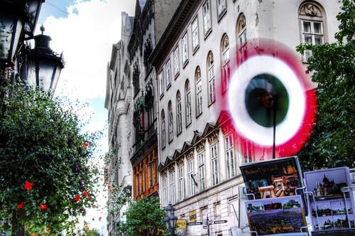 Pinwheel at Vaci Street. Budapest. Molinillo de viento en la calle Vaci.