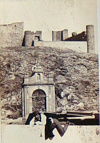 Castillo de San Servando y Puente de Alcántara hacia 1860. Fotografía de Jean Laurent