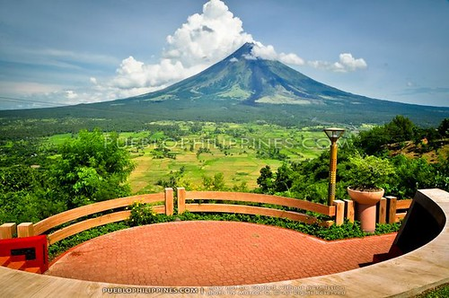 Ligñon Hill View Deck: Mayon Madness Take 5