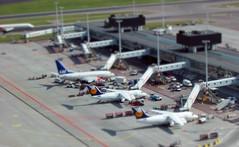 View from control tower Schiphol on Bravo gate (Koen de Kruijf) Tags: airplane miniature gate small shift boeing sas bae tilt schiphol lufthansa 737 146 eham