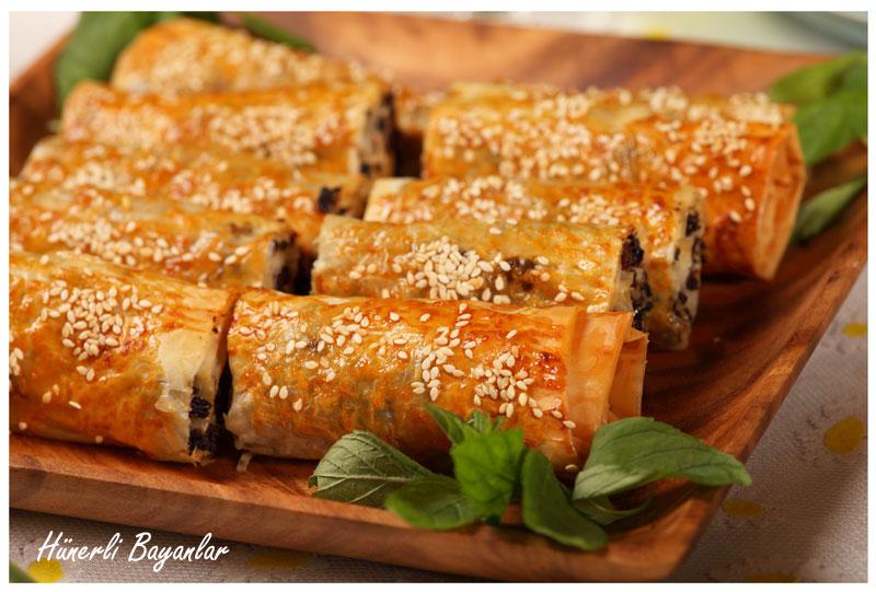 Baklava Yufkası ile Karaköy Böreği