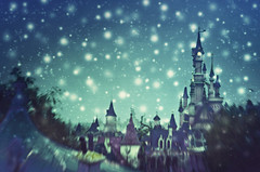 land of enchantment () Tags: park parco snow paris tower andy lensbaby landscape evening torre princess disneyland andrea magic andrew neve snowing 20 paesaggio enchanted sera nevicata magia principessa benedetti incantato