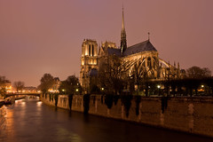 A Notre Dame view (seryani) Tags: city light sunset paris france luz church seine night canon reflections river atardecer evening noche twilight europa europe cathedral dusk catedral notredame explore lumiere reflejo bluehour francia nuit nocturne canonef2470mmf28lusm 2470l anochecer cathedrale sena 247 nocturnes noctambule explored canoneos5dmarkii 5dmarkii