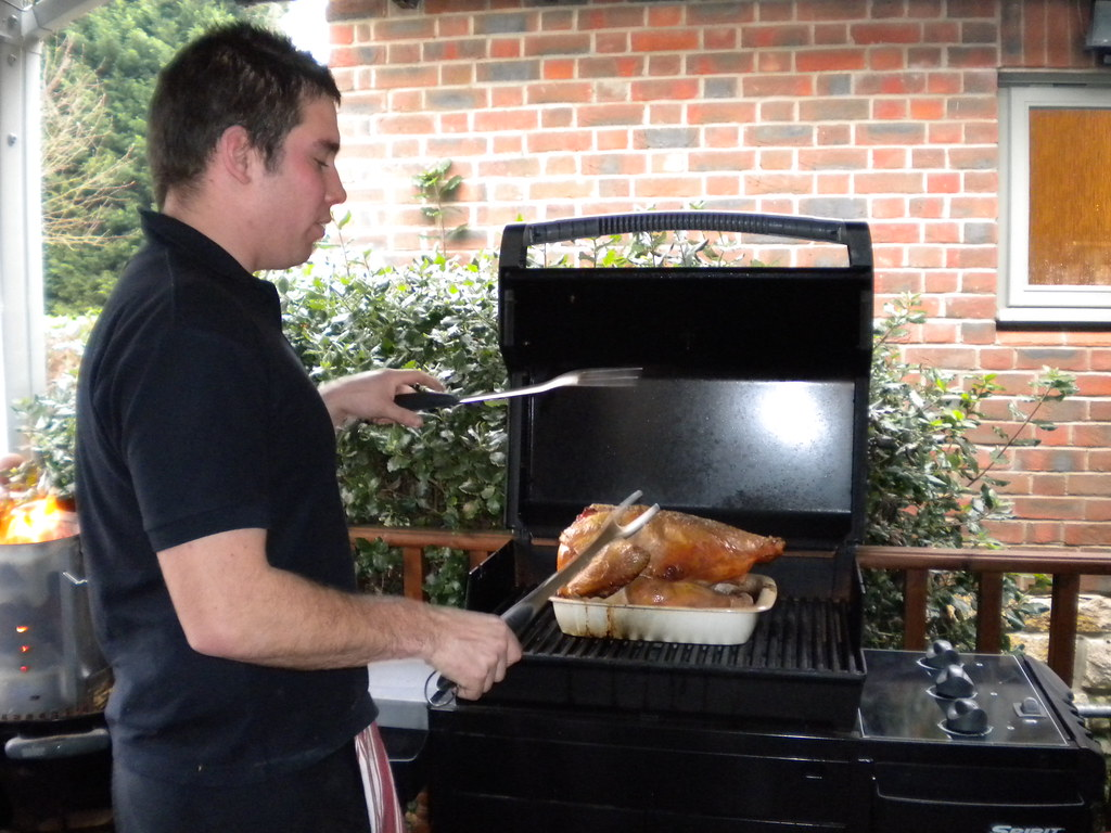 Cooking turkey on the BBQ