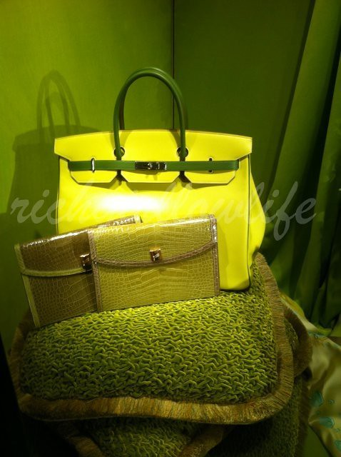 92909_Hermes-Window-Display-for-Christmas5