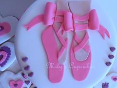 Cake para Roberta con Zapatillas de punta (Mily'sCupcakes) Tags: pink castle cookies cake de cupcakes heart princess disney punta zapatillas milys
