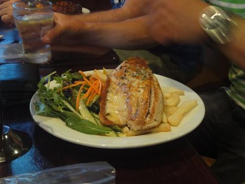 Erskineville Hotel: Grilled barramundi fillets