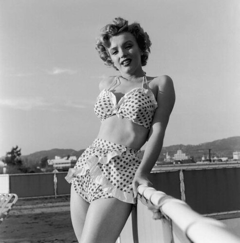 marilyn-monroe-in-swimsuit-1951