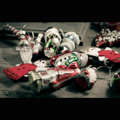 Goodbye Christmas! Till next time! (That Dapper Photographer) Tags: life christmas decorations still julian nikon objects decor tamron f28 2875 d7000 julianvh