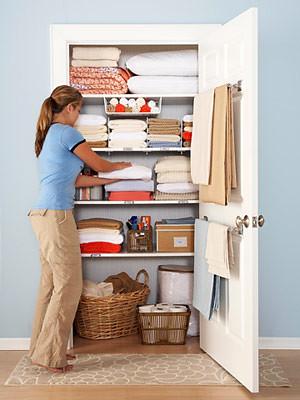 bhg-linen-closet