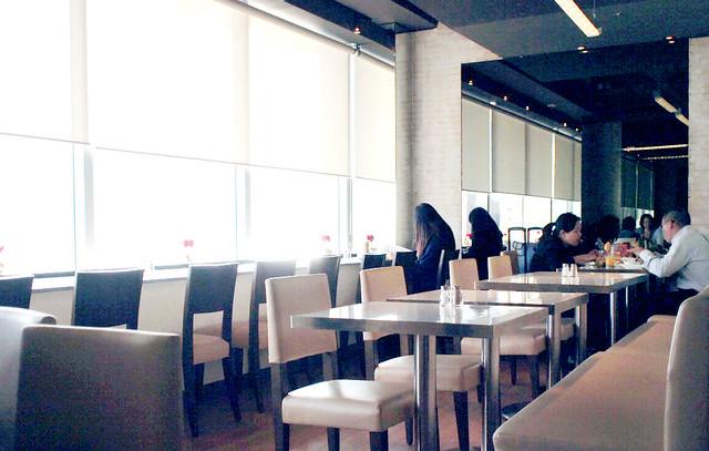 BO-LO'GNE Café & Bar
