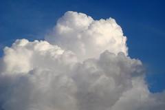 Imagem 291 (andreapires) Tags: sunset sky cloud sun storm luz sol rain clouds sunrise natureza chuva cu prdosol nuvens storms montanhas tempestade raiosdesol muzambinho therebeastormabrewin cloudslightningstorms