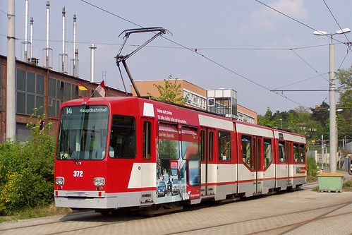 N8-Wagen 372 im Betriebshof in der Heinrich-Alfes-Straße anlässlich der Veranstaltung »125 Jahre Nahverkehr in Nürnberg« (Bild: Sebastian Sperling)