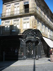 (huephoria) Tags: architecture porto entrances