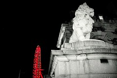 Monument#lion#night#architecture #urban #city #perspective #holidays #travel#London (yatoma66) Tags: london lion architecture city night perspective urban holidays travel