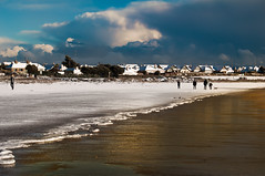 Snow Beach: The Day The Sea Froze (Zimmergimmer) Tags: ocean ireland beach rush frozensea