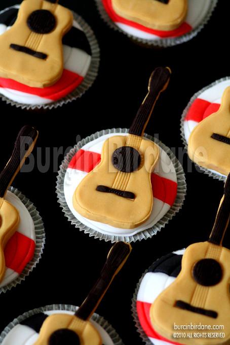 Gitar Cupcake