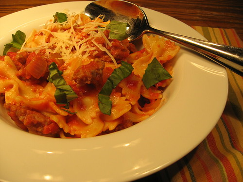 Farfalle with Sausage, Tomatoes, and Cream 013