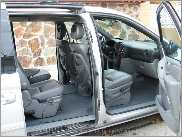 Chrysler Grand Voyager - Det. int. </span>+ opticas-43