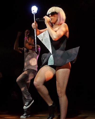 PicImg_Lady_Gaga_performs_8892