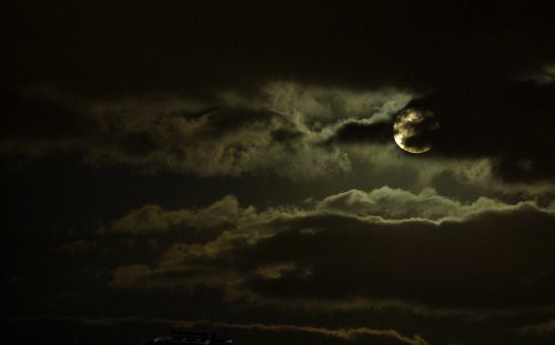 moon_clouds