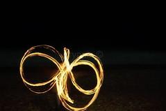 Fire Juggling / Jongleur de Feu (aryapix) Tags: beach night de fire see flames juggling nuit plage feu jongleur flammes