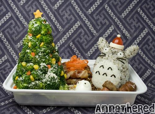 Bento #80: Santa Totoro!