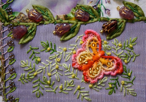 Detail Alice's Pansy Block