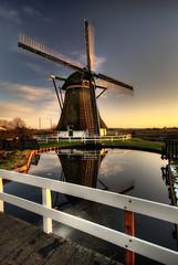 Dutch Windmill 1722 (Focusje (tammostrijker.photodeck.com)) Tags: holland reflection mill netherlands windmill dutch polarizer hdr rijnenburger