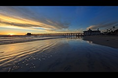 last minute (Eric 5D Mark III) Tags: ocean california sunset sky usa cloud seascape color reflection tree beach water canon landscape pier twilight sand unitedstates atmosphere newportbeach orangecounty tone ef14mmf28liiusm eos5dmarkii