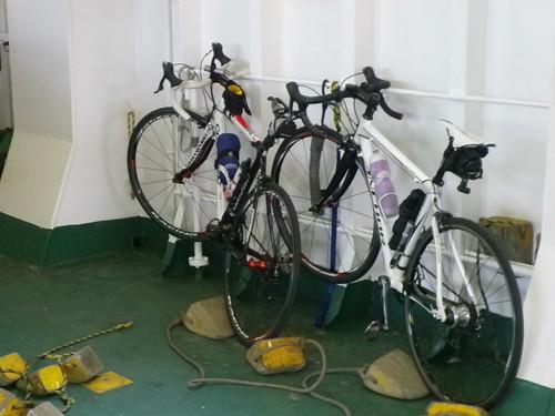 こんな感じで自転車は乗船