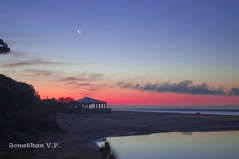 AMANECIENDO (Jonathan Vzquez Flores) Tags: espaa spain jonathan huelva playa amanecer nocturna d90 elportil caodelaculata