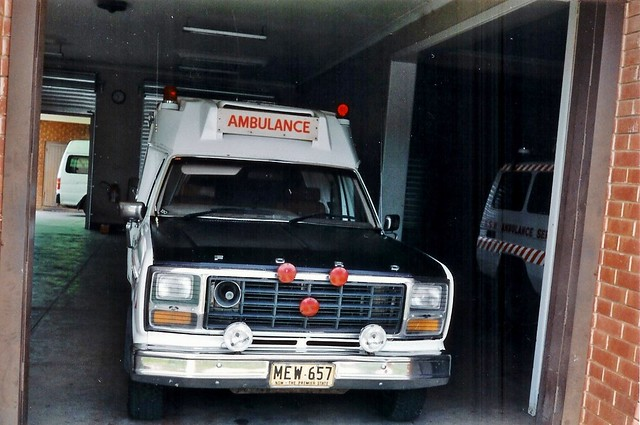 new ford wales 1982 south f100 ambulance f nsw series service industries parkes tamworth jakab fseries nswas asnsw
