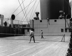 Tennis on board ship, about 1930 (Muse McCord Museum) Tags: canada lines ship pacific britain canadian tennis empress steamship oceanliner mccordmuseum musemccord