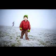 Frosty Morning (PMMPhoto) Tags: family blue boy red portrait green ice grass hat fog paul 50mm nikon frost photographer glasgow 14  mcgee lifestyle gloves hamish nikkor fp froggy lanarkshire strathaven 50mmf14g paulmcgee d700 donotusewithoutpriorpermission pmmphoto paulmcgee