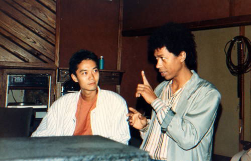 com Akira Jimbo