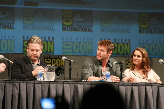 IMG_1847 - Kenneth Branagh, Chris Hemsworth, & Natalie Portman by Anime Nut