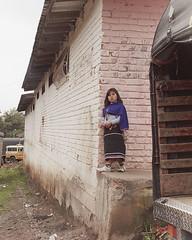 Nia esperando. Gentes del Valle del Cauca. (lvaro Bueno) Tags: hous
