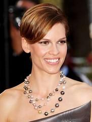 Hilary-Swank-Cannes-2009_Closeup (Cerise & Co.) Tags: co cerise pearlnecklace hilaryswank cannesfilmfestival2009 ceriseco lookingforericpremiere celebritypearljewellery celebritypearlnecklace